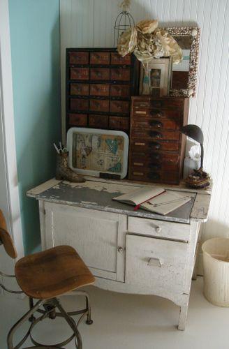 MAKE desk